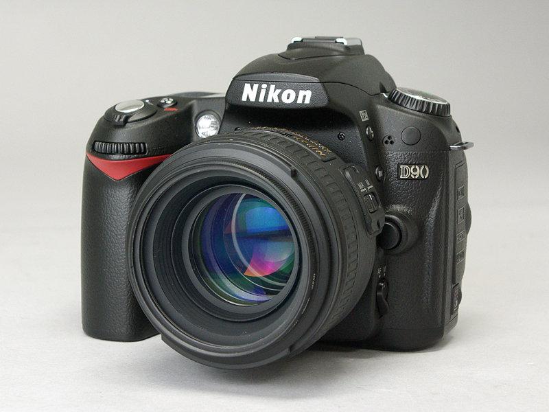 Nikon_D90